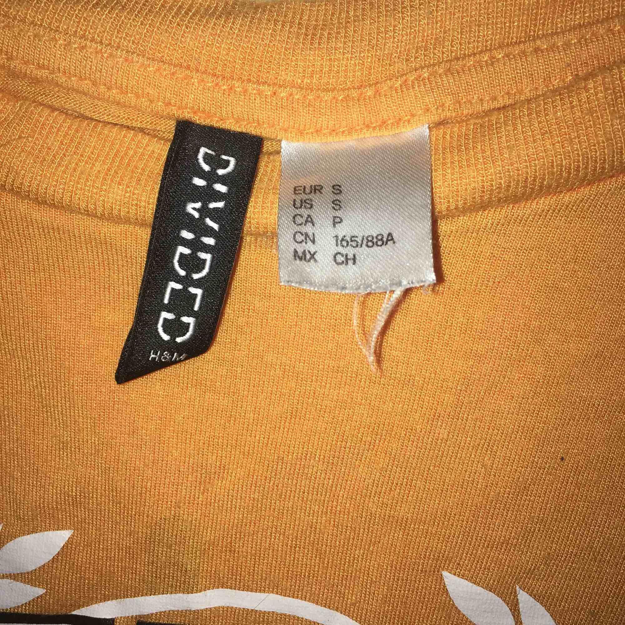 T-shirt från Hm. T-shirts.