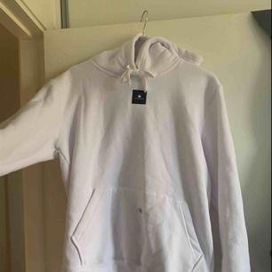 The cool elefant hoodie, aldrig använd. Säljer pågrund av att jag har dubbletter.