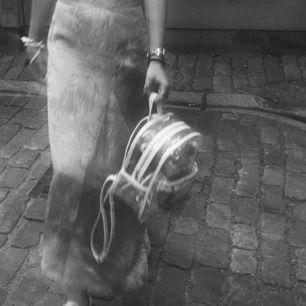 Mini genomskinlig ryggsäck köpt på HM i somras🦋 Bara använd några få gånger! Kan mötas upp i Sthlm ✨⚡️