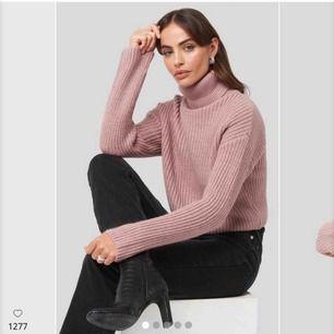 Supermysig stickad tröja från Hannalicious x Na-kd. Bara använda 1 gång så i nyskick. Bara att skriva för fler bilder