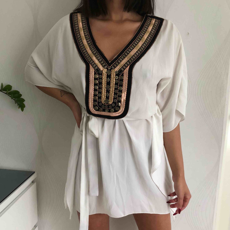 Otroligt fin klänning/tunika köpt i Grekland. Använd 1 gång. Klänningar.