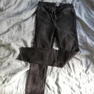 Jättefina jeans från twist & tango. Trasiga i grenen som går att laga 😊