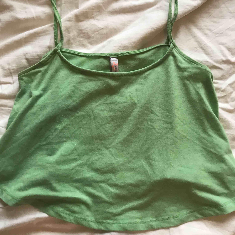 Söt tröja från NewYorker 😍 kan mötas upp i Lund annars står köparen för frakten☺️☺️. Toppar.