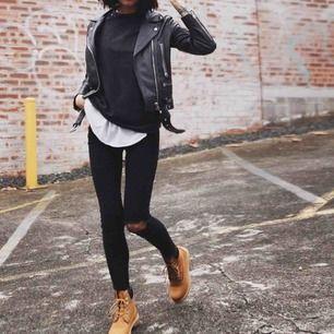En AAA kopia Timberland boots, bra för vintern och hösten. Använt bara 2 gånger. Frakt ingår ej så 225kr