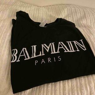 Balmain t-shirt (KOPIA) oanvänd!