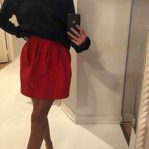 Röd kjol från zara! Super söt💖