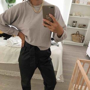 Söt tröja från Filippa K - yoga- collegetröja