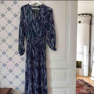 Maxiklänning storlek 36 , nice skick som ny! Hämta i Majorna för 100kr eller priset inkl frakten