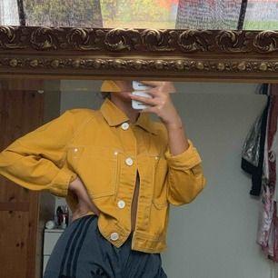 Jeans jacka från Zara använd en gång bara!