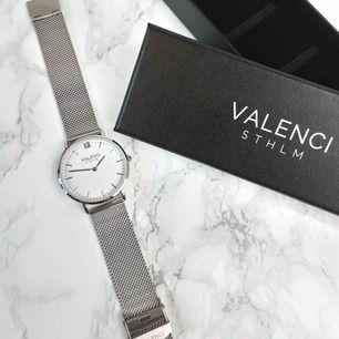 """Säljer ett presentkort på 150kr på klockrummet.se, det gäller enbart """"valenci sthlm"""" klockorna bla dessa på bilden😊  Skicka om du vill köpa, väldigt smidigt och bra då jag skickar koden som du skriver in vid köp"""