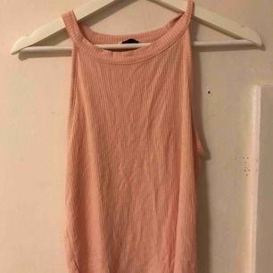 Jätte sött rosa linne från Cubus. Skönt material!! Du står för frakten