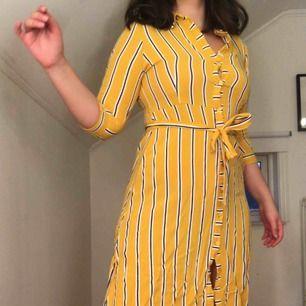 Somrig midi klänning från Primark perfekt för sommaren! Sparsamt använd men supersnygg utomlands och på instagramfeedet.