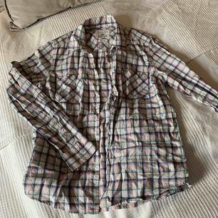 Lexington skjorta oanvänd.