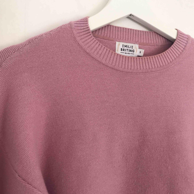Jätte fin tröja ifrån Nakd💕💕använd en gång så i väldigt bra skick!. Tröjor & Koftor.
