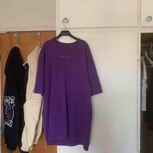 Sweet skateboards tröja i lila, skit cool💜