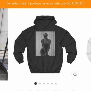Intressekoll på min naked statue hoodie