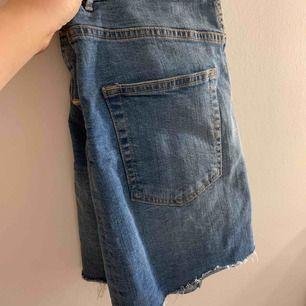 Superfin kjol ifrån Gina och i bra skick