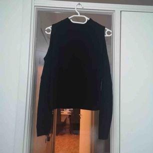 Stickat tjock tröja med öppna armar ny pris 199
