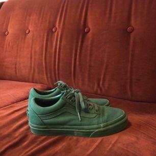 helgröna vans! använda en gång. frakt tillkommer.