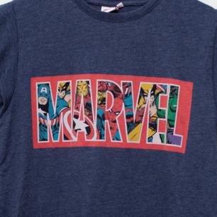 Marvel tröja i storlek S/M, normal i storleken. Sparsamt använd. Frakt tillkommer om köparen inte möts upp i Märsta. 🌸