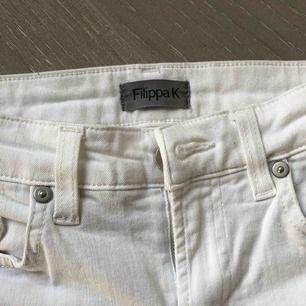 Snygga jeans av märket Filippa k, använde en gång