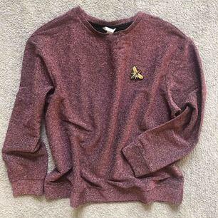 Glitter sweatshirt 🐝 frakt tillkommer