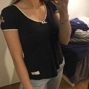 Svart tshirt från Odd Molly, mycket fint skick, storlek 0 (S-xs)