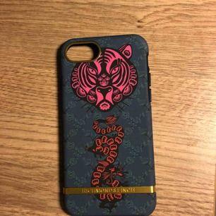 En ny iPhone 8 skal. Priset kan diskuteras :)