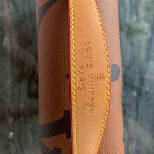 Oanvänd snygg väska  Louis Vuitton inspirerad.  En kanon bra kopia Hand axel väska  Hämtas kan frakta spårbar