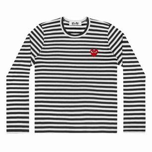 Säljer min cdg tröja då jag helt enkelt inte använder den längre. Deras storlekar är lite annorlunda än de vanliga, står L men sitter som en S på mig som brukar ha S.