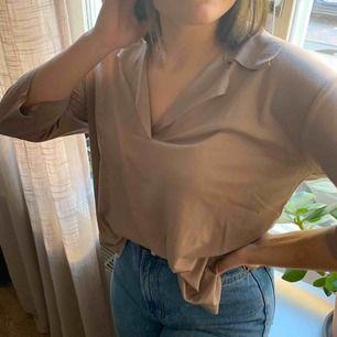 Gammelrosa, trekvartsärmad tröja i stl S från Zara. Aldrig använd. Köpare står för frakt