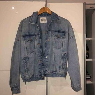 Jättefin jeansjacka från Zara