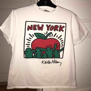 Fin tröja med illustration av Keith Haring som jag tyvärr tröttnat på :( köpt på asos