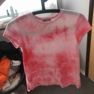 En jätte fin T-shirt helt ny aldrig använt 40kr + frakt 38   Rosa typ moln ☁️💗