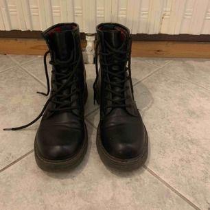 Boots från din sko , mycket bra skick knappt använda,Som ny .  Hämtas i Malmö