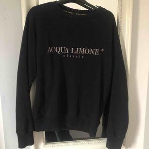Tröja från Acqua Limone i nyskick! Köpt för 900.🥰