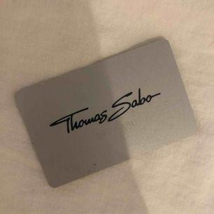 Ett Thomas Sabo presentkort på 200kr går ut i april 2020! Pris är 100kr!