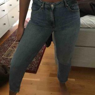 Raka byxor från H&M, använda fåtal gånger (lite för små för mig) frakt tillkommer