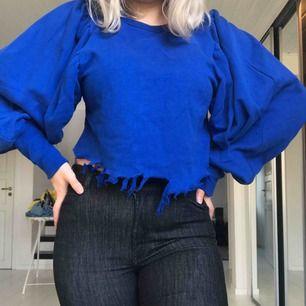 Korn blå tröja med puffiga ärmar kontakta mig om frakt samt annan information❤️❤️