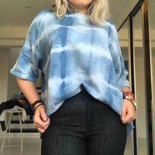 Oversize mönstrad t-shirt Frakt 20kr