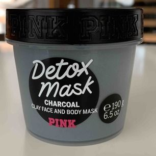 Victoria Secret PINK charcoal face mask, never used ( have two ) ✨ meet up in Stockholm or pay for shipping 💖