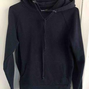 Säljer hoodie från Crocker pga för liten! Inga defekter! Skriv för fler bilder