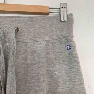 Champion grey sweatpants. ✨ bought for 500 selling for 300 kr.  Pick up in stockholm or pay for shipping 💖
