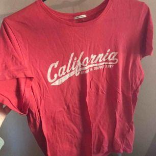 T-shirt från Ralph Lauren, knappt använd så den är i bra skick. Den är i ett sjukt skönt material