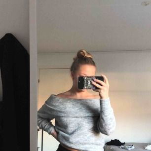 Fin stickad tröja från hm i storlek XS. Den är aldrig använd utan endast provad💗💗frakt tillkommer