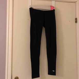 Yogapants från Pink i XS.