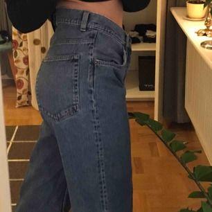 Så snygga jeans från Cheap Monday :-) köpta på Junkyard för cirka 400:- 💓 storlek 30/32 vilket motsvarar medium/large. Spårbar frakt inräknat i priset!