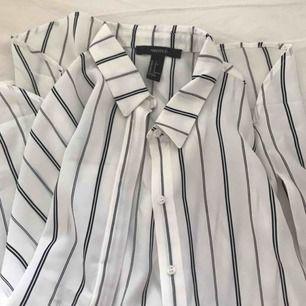 Oversized kortärmad skjorta från forever 21, nyskick😇