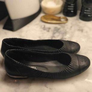 Chanel ballerina skor. Använda. Kvitto finns.