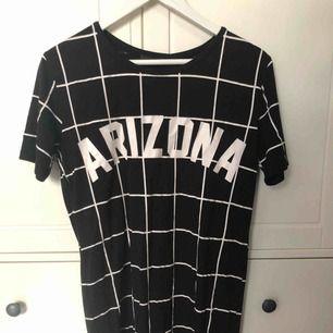 t-shirt klänning från bikbok. fraktar inte, möts upp i stockholm🌟
